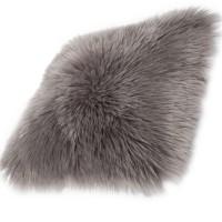 Възглавница Ovium дълъг косъм таупе 40х40